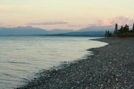 Te: shoreline of lake Te Anau at sunset, New Zealand Stock Photo