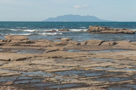 barrier island: rock pools with Little Barrier Island