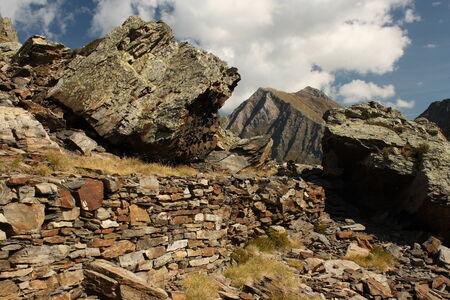 disused: mina abandonada en el Pirineo