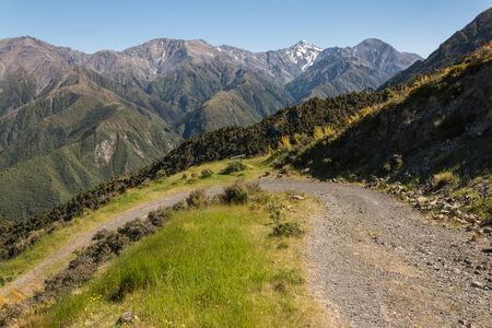 kaikoura: mountain track in Kaikoura Ranges