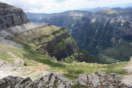 ordesa: Valle de Ordesa from above
