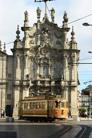 streetcar: vintage streetcar in front of Igreja dos Extintos Carmelitas, Porto