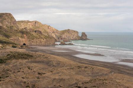 ranges: veduta aerea della spiaggia di betili, Waitakere Ranges