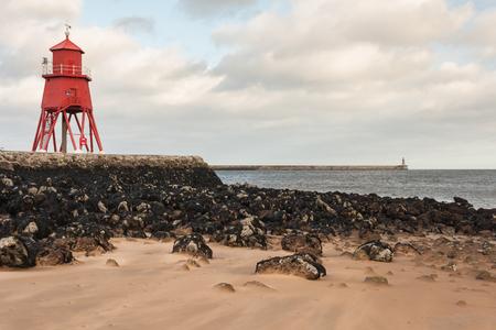 groyne: Herd Groyne lighthouse in South Shields