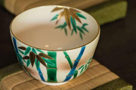 伝統的な日本の茶碗のクローズ アップ 写真素材