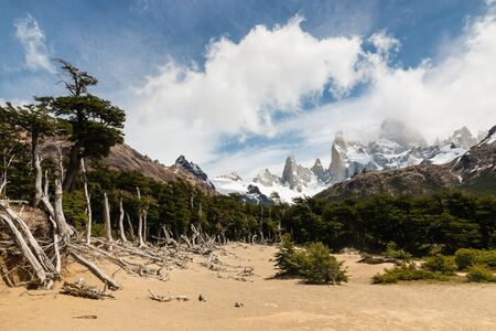 cerro chalten: Monte Fitz Roy panorama, Patagonia Stock Photo