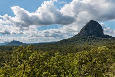 マウント Tibrogargan でガラス家山国立公園、クイーンズランド州、オーストラリア