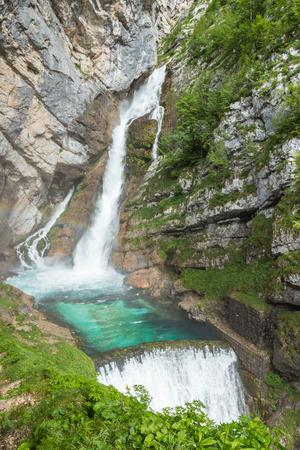 Savica falls in Triglavski narodni park, Slovenia Standard-Bild - 105026691