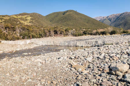 Black Birch River with boulders in Awatere Valley, Marlborough region, South Island, New Zealand 스톡 콘텐츠
