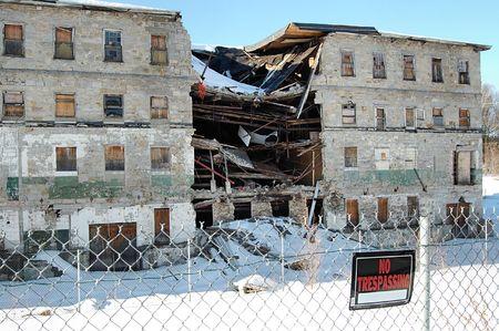 destroyed: ein Geb�ude zerst�rt