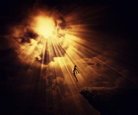 活発な男の子アストラル旅行、神秘的な歓喜状態の念力。魔法の魂のエネルギーは、人間のイリュー ジョンを表示します。 写真素材