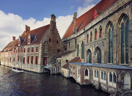 Architecture outdoors of Sint-Jans hospital, the old city buildings on the water canals in Bruges, Belgium. Stockfoto