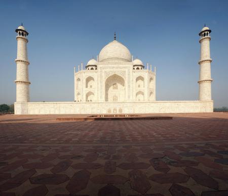 타지 마 할, 흰색 대리석 묘소 아그라, 우 타르 프라 데, 인도. 스톡 콘텐츠