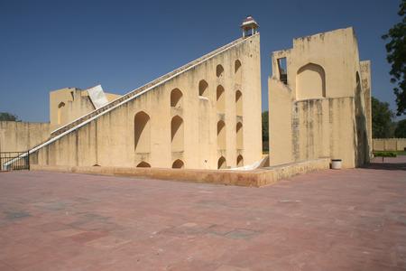 インド ラジャスタンの建物古い太陽時計塔