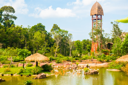 Le plus grand parc zoologique du Vietnam - Vinpearl Safari Parc de Phu Quoc avec flore et faune exotiques, Phu Quoc au Vietnam Banque d'images