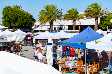 Teguise, Lanzarote, Spain - Dec 14, 2018: Every Sunday in the squares and cobbled streets of Villa de Teguise, takes place one of the most important popular Canarian markets, Canary Islands. Redactioneel