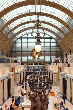 Paris, France, 15 May 2019 - Interior view of Museum Orsay in Paris with Visitors at the Musee d Orsay 新聞圖片