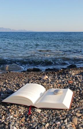 matter: lectuur op het strand