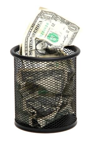 wastebasket: Banknotes in wastebasket