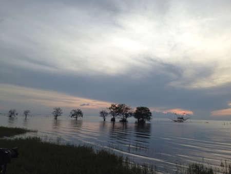 morning sky: Cielo del mattino e nubi prima dell'alba a Pakpra Phatthalung