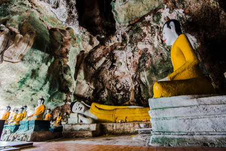 buddha statue: many position of buddha statue in cave Stock Photo