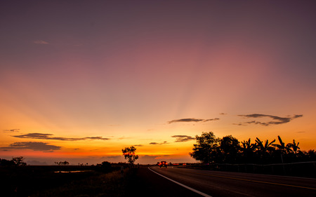 sun ray: sun ray  in evening sky