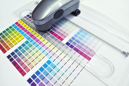 Color management. Spectrophotometer, Print Measuring Tool