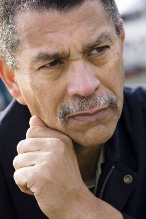 Portrait of an African American Man Looking Away From Camera Zdjęcie Seryjne