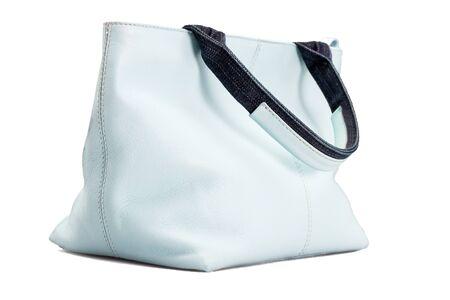水色の女性のバッグ