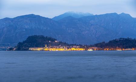 ベラージオ コモ海夜景イタリア 写真素材