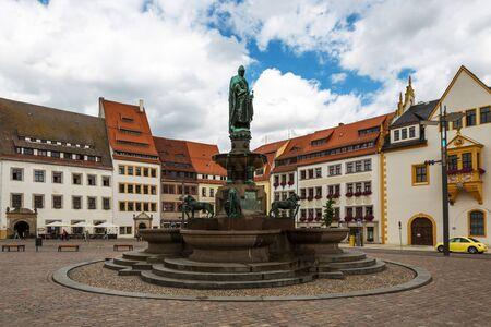 オットー、ドイツのザクセン州フライベルクの豊富な記念