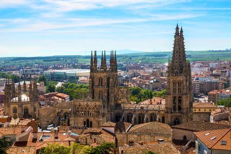スペインの大聖堂とブルゴス スカイライン撮 写真素材