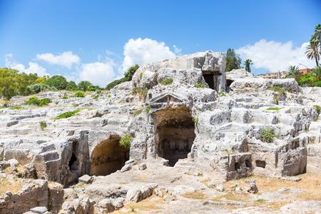 アルキメデスの墓、古典の時代の墓の考古学的な地区を見て?シラキュース、シチリア島、イタリア