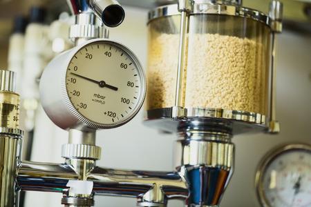 sala parto: macchina per anestesia per la consegna inalazione in una sala operatoria veterinario clinica. Archivio Fotografico
