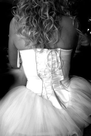 the back side of a brides wedding dress Standard-Bild