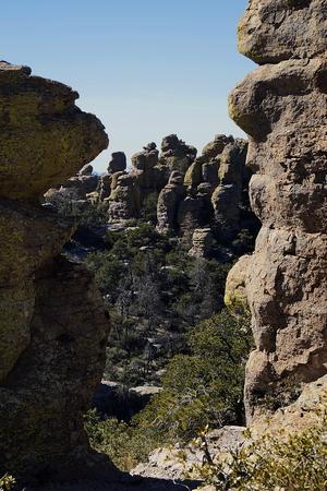 42 Chiricahua Una de las maravillas de Rocks cadena montañosa llamada la Tierra de las rocas de pie plano por los Apaches Chiricahua