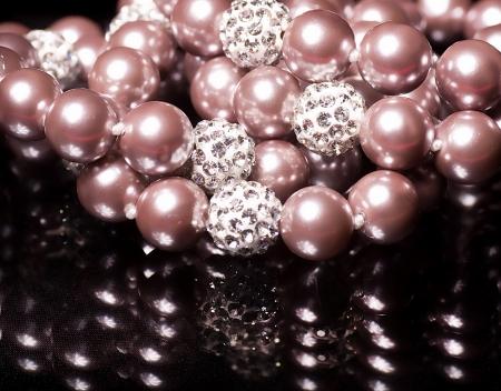 bijuteri: Siyah zemin üzerine güzel mücevherat