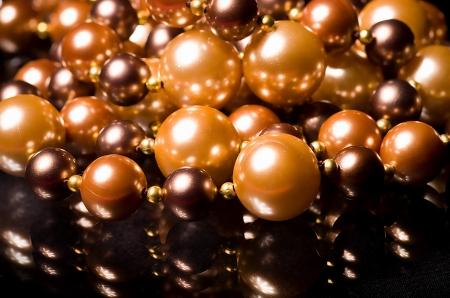 bijuteri: Siyah arka plan üzerinde güzel bijuteri