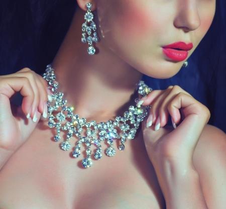 貴重な装飾は宝石とファッション女性