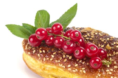 おいしいケーキと赤スグリ 写真素材