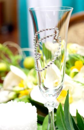 美しい結婚式のメガネとアクセサリー