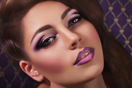 化粧品で美しい若い女性の肖像画 写真素材