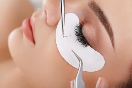 Vrouw ogen met lange wimpers. Wimper Extension Stockfoto