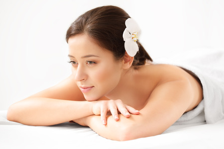 cleanse: Spa Woman. Close-up of a Beautiful Woman Getting Spa Treatment. Spa Salon