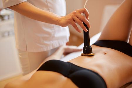 cuerpo humano: Cuidado corporal. Ultrasonido cavitación Tratamiento Contorno Corporal. Anti celulitis