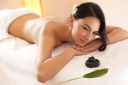 beauty therapist: Spa Woman. Close-up of a Beautiful Woman Getting Spa Treatment.
