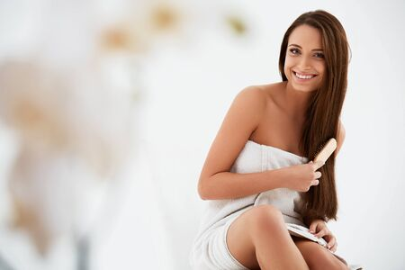 model nice: Brown Hair. Beautiful Brunette with Long Hair. Haircare. Spa Beauty Model