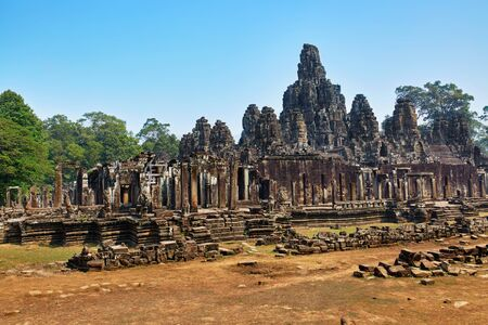 prasat bayon: Cambodia Famous Landmark. Prasat Bayon Temple In Angkor Thom, Angkor Wat Complex, Siem Reap. Ancient Khmer Architecture. Popular Tourist Attraction, Travel Destination In Asia.