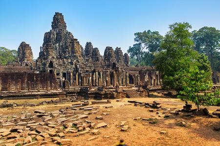 prasat bayon: Cambodia Famous Landmark. Prasat Bayon Temple In Angkor Thom, Angkor Wat Complex, Siem Reap. Ancient Khmer Architecture. Popular Tourist Attraction, Travel Destination In Asia.