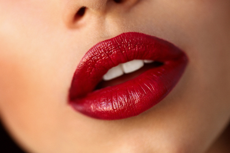 Beauty. Beautiful Woman Face With Red Lipstick On Plump Full Sexy Lips. Closeup Of Girl's Mouth With Professional Lip Makeup, Cosmetic Red Ombre Lipstick On. Cosmetics Concept. High Resolution Standard-Bild